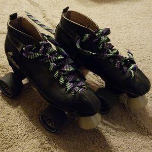 Shoes - Cobra roller skates